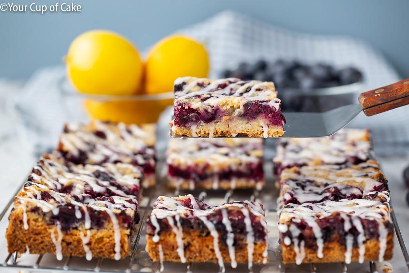 Easy dessert recipe for Blueberry Cobbler Bars