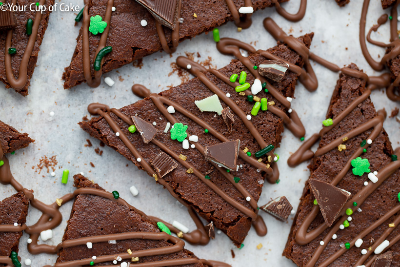 THE BEST Chocolate Mint Brownie Bark