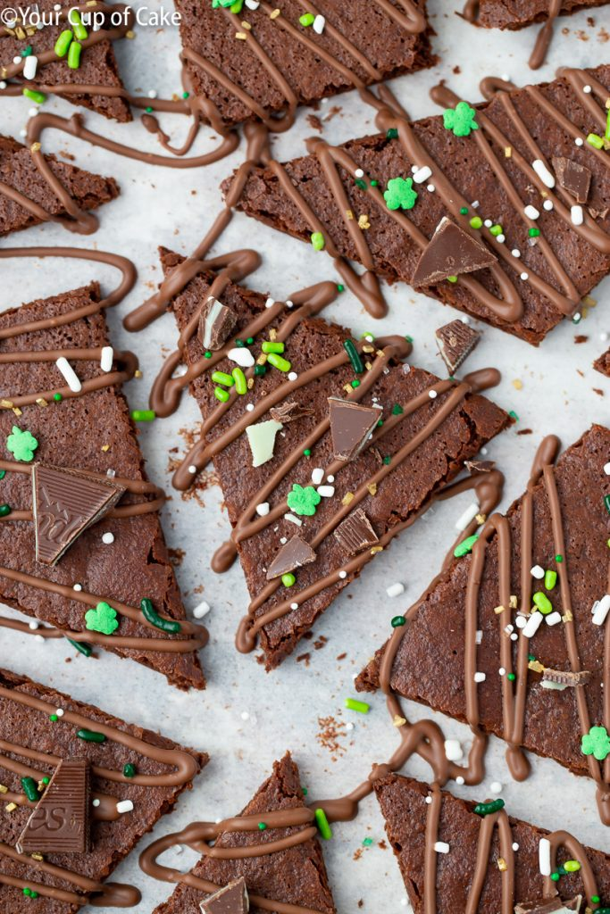 ADDICTIVE Chocolate Mint Brownie Bark, love this!