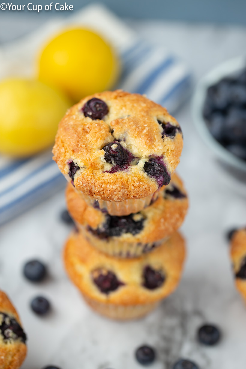 LOVE these Easy Lemon Blueberry Muffins