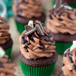 LOVE these Mint Chocolate Mousse Cupcakes with Andes Mints
