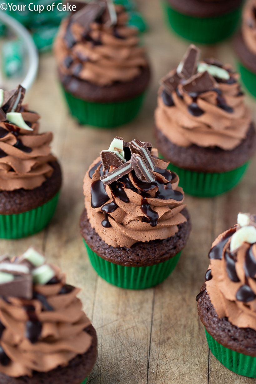 OBSESSED with these Mint Chocolate Mousse Cupcakes with 2 ingredient frosting!