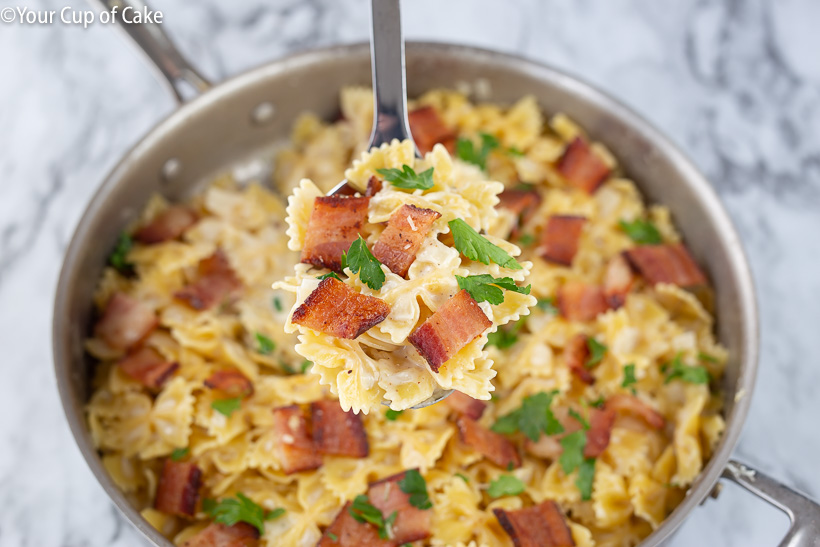 Easy One Pot Bacon Alfredo Pasta recipe, OBSESSED with this recipe