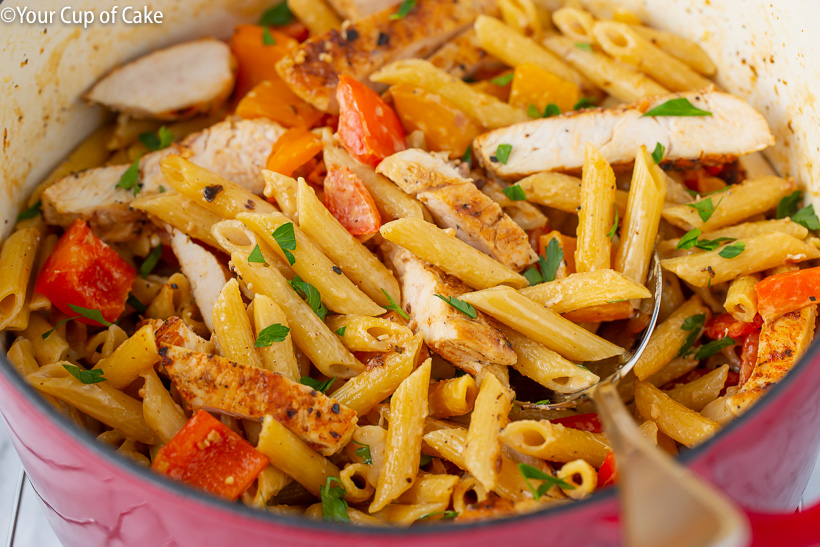 One pot meal! One Pot Creamy Cajun Chicken Alfredo
