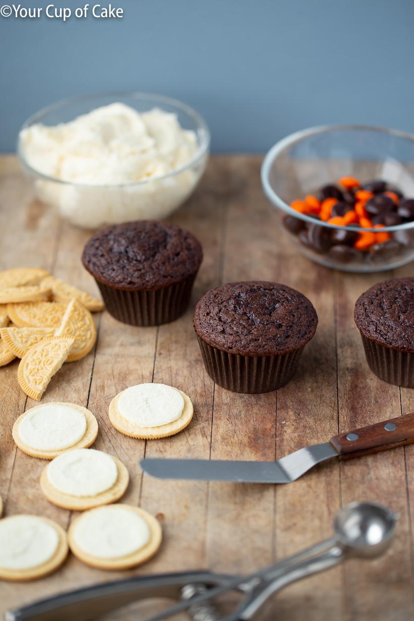 Apprenez à faire les plus mignons cupcakes de hibou avec des oréos