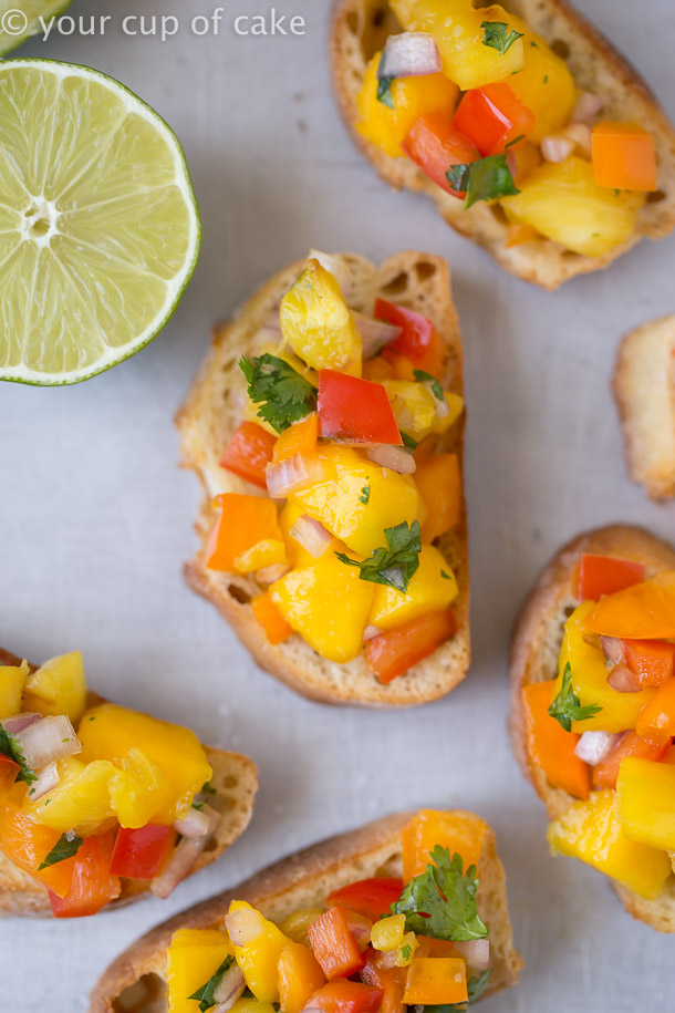 OBSESSED with this Pineapple Mango Bruschetta