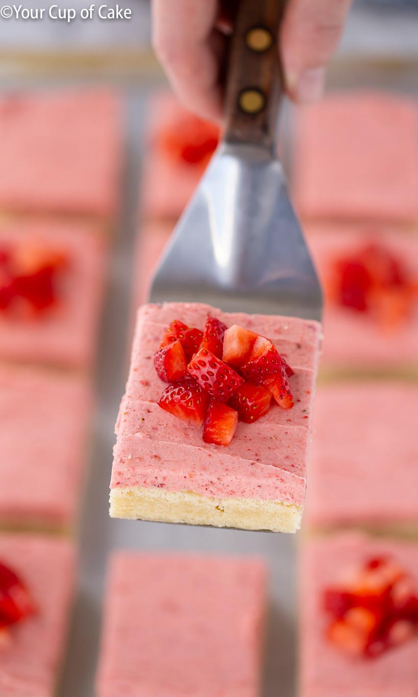 AMAZING Strawberry Sugar Cookie Bars
