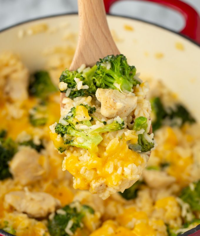 30 minute meal! 1 Pot Cheesy Chicken Rice & Broccoli