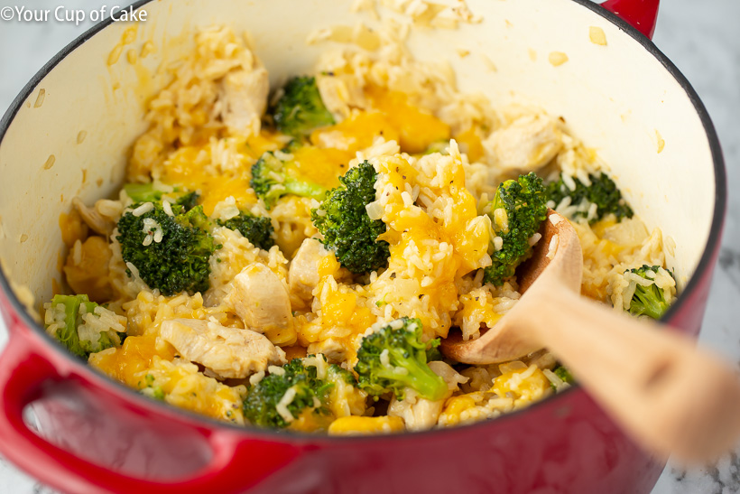 How to make the best one pot recipe! 1 Pot Cheesy Chicken Rice & Broccoli