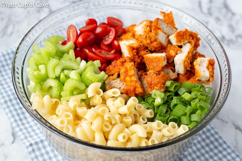 Super easy dinner or lunch recipe! Easy Buffalo Chicken Pasta Salad