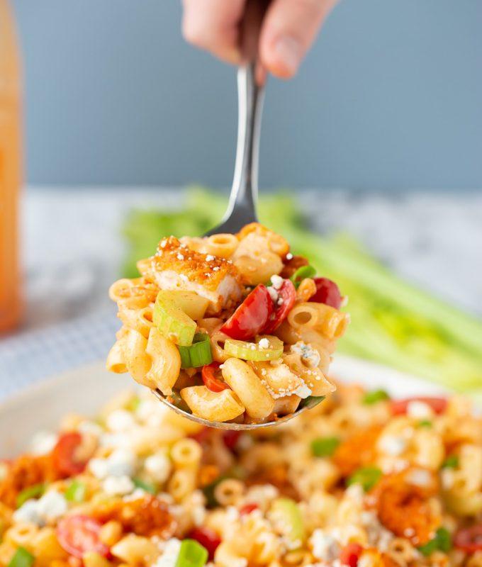 Super easy Buffalo Chicken Pasta Salad, I LOVE this recipe!