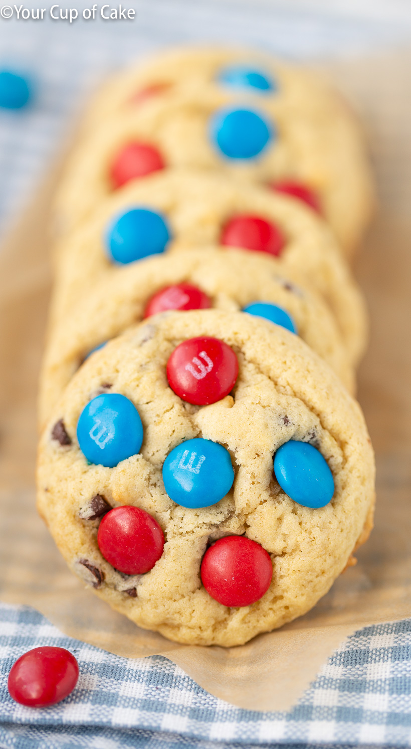 SO DELICIOUS!! These 4th of July Banana Cookies are the best!