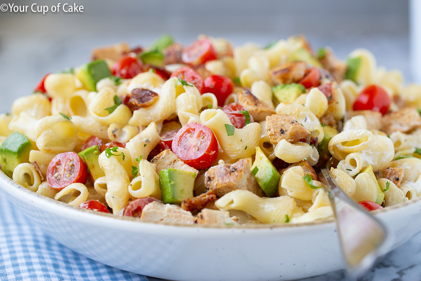 This is AMAZING!! Chicken Bacon Ranch Pasta Salad with avocados