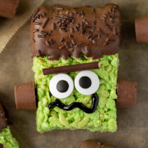 I LOVE making these spooky Frankenstein Rice Krispie Treats with my kids for Halloween!!