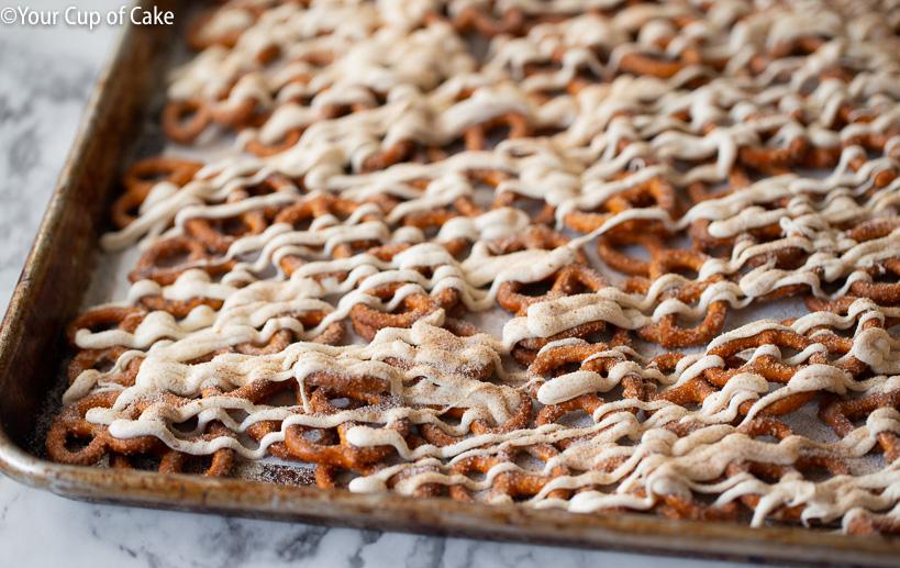 How to make sweet pumpkin spice pretzels