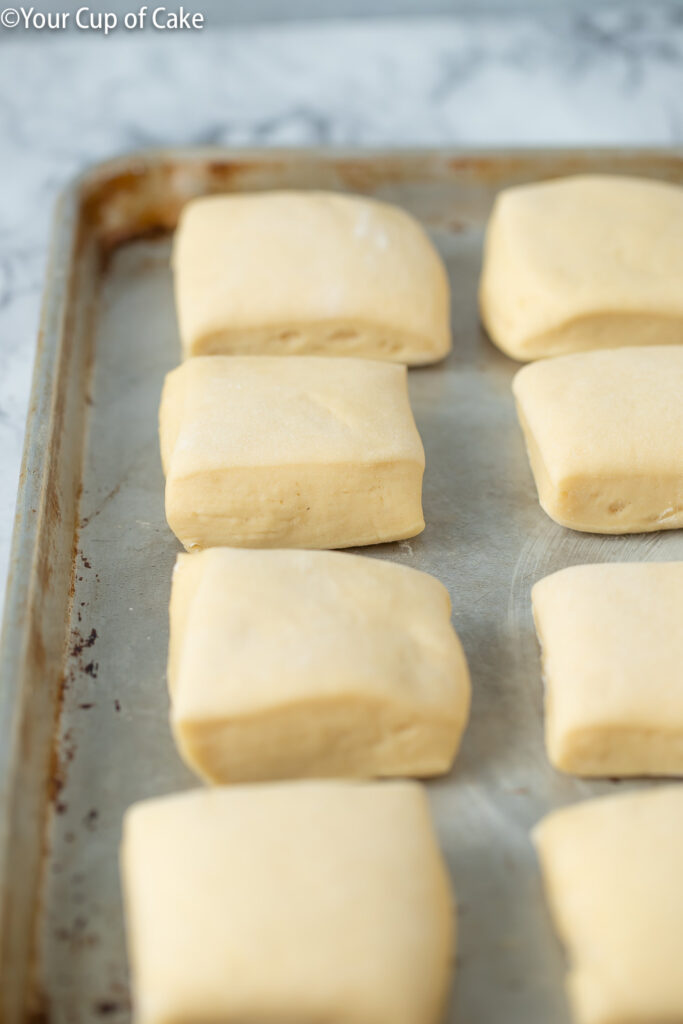 How to make copycat Texas Roadhouse Rolls